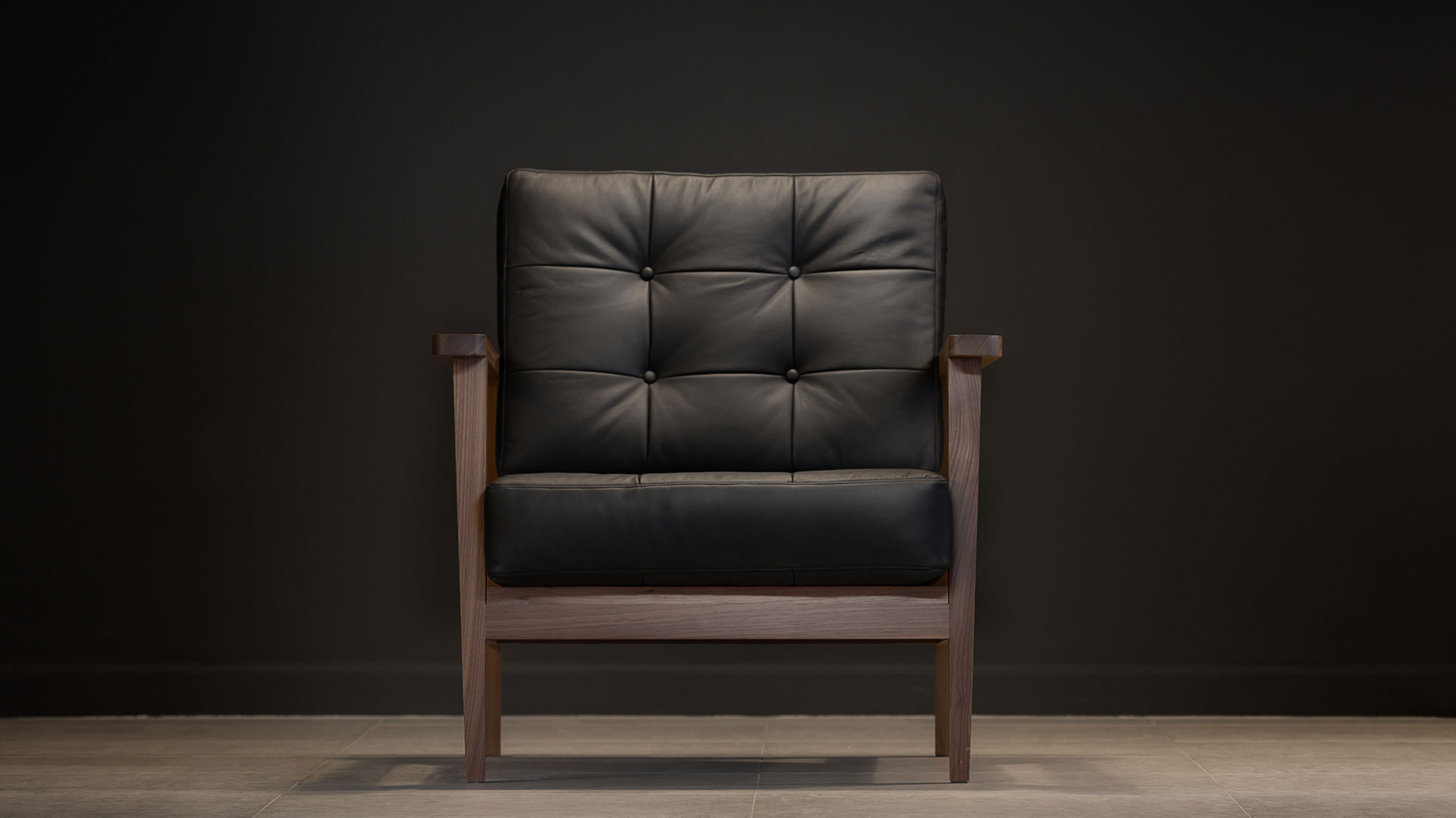 show wood armchair aniline leather black front